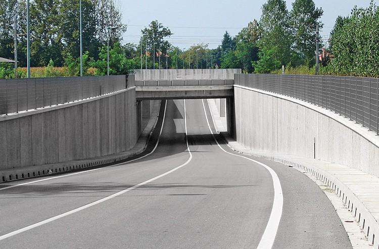 recinzioni-edilizia-stradale-prefabbricate-cemento