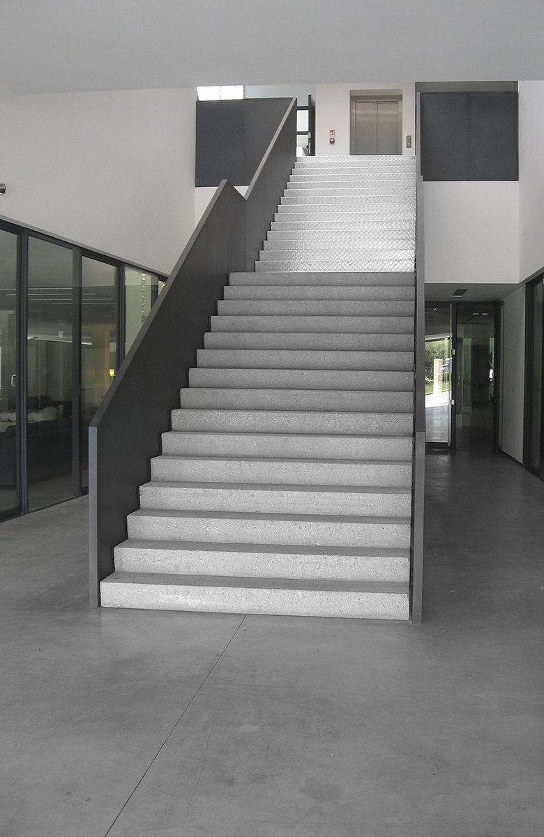 scale-rette-chiocciola-prefabbricate-calcestruzzo-02